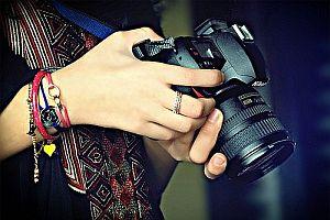Fotoğraf Makinası Nasıl Tutulur?