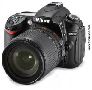 Nikon D7000 Önden Görünüm