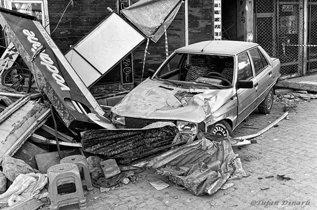Van Depremi Fotoğrafları Sergisi İnternette Yayınlandı