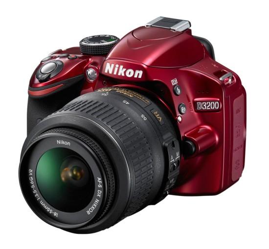 Nikon D3200 24.2MP DX Duyuruldu