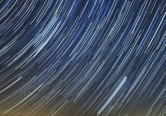 North Carolina'da Yıldız İzleri (Star Trails Time Lapse)
