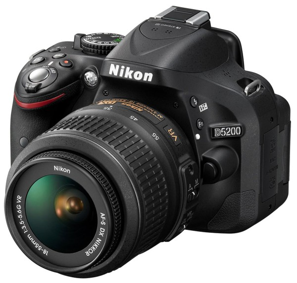 Nikon D5200 Resmi Olarak Duyuruldu [24.1MP, 5fps, 39AF]