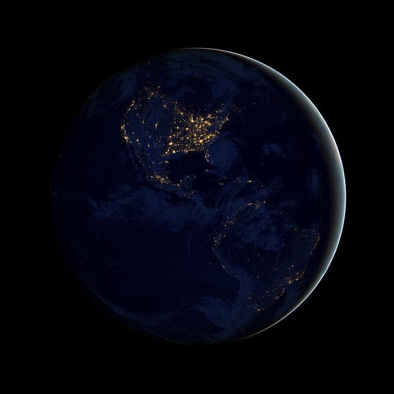 """NASA'nın Yeni """"Siyah Bilye"""" Fotoğraflarıyla Dünyayı Bir de Gece Görün [Black Marble]"""