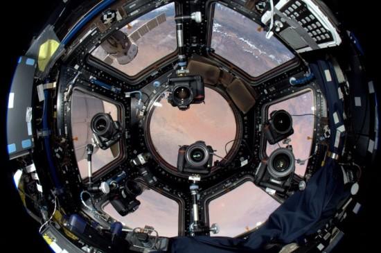 Nikon Fotoğraf Makinesi Uzay İstasyonunda