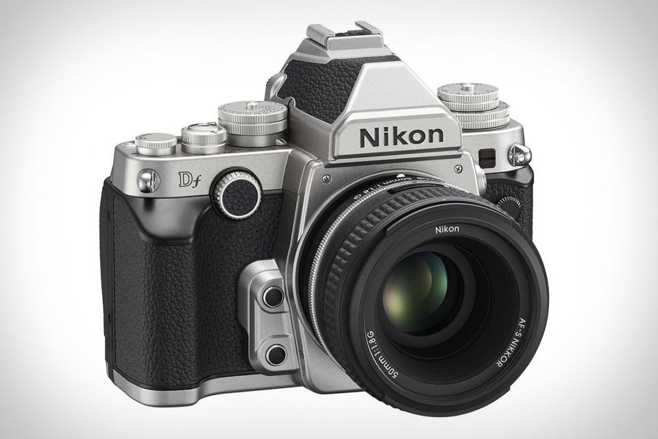 Nikon Df, D3200 ve D5200 için Yazılım Güncellemesi Duyuruldu