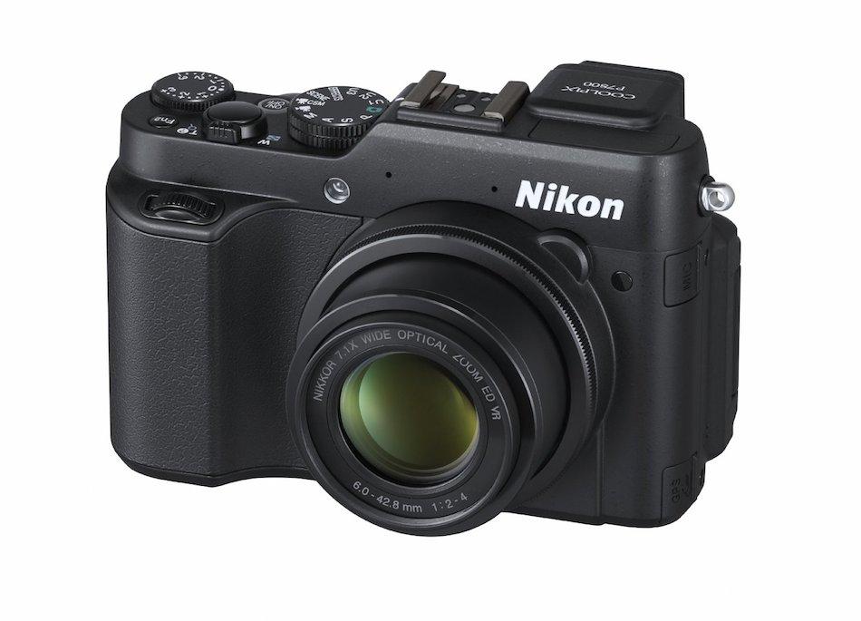 Nikon Coolpix P8000 Özellikleri Detaylandı